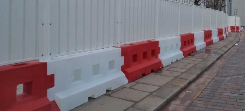 Rhino Safety Barriers: Easy Set-Up, Strong Protection